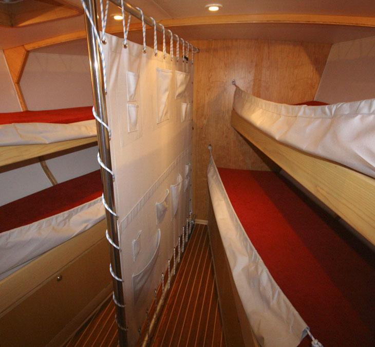 boreal50-cabine-avant-version-charter